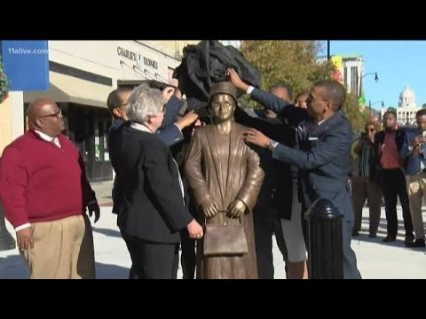 Rosa Parks commemorated with statue in Montgomery, Alabama