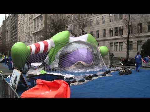 Buzz Takes Manhattan [1080p HD]