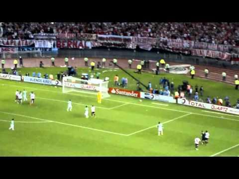 Video - QUE LOCA ESTA LA HINCHADA + MUÑECO - River Plate vs Atlético Nacional - Copa Sudamericana 2014 - Los Borrachos del Tablón - River Plate - Argentina