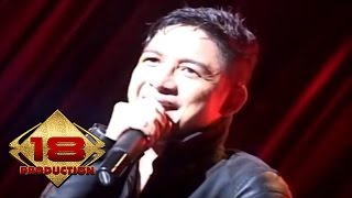 Ungu - Bayang Semu (Live Konser Palembang 2014) Video