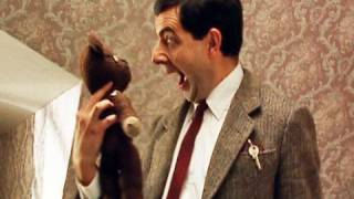 MrBean - Mr Bean - Hotel room is home from home
