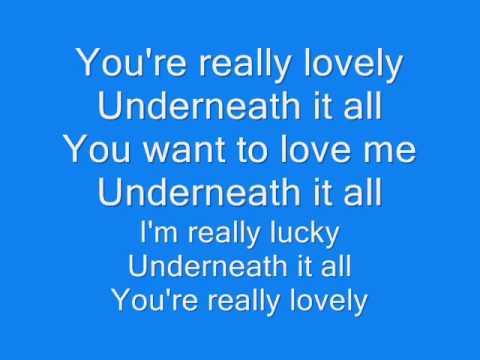 Underneath it all By No Doubt (w/ Lyrics)