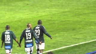 Marcos assunção garante a classificação do Palmeiras aos 44 minutos do segundo tempo.