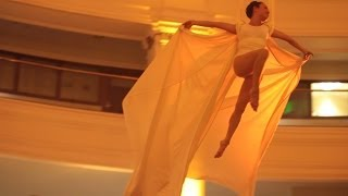 Video Angela Chu - Flying Silks at Oakland Rotunda MP3, 3GP, MP4, WEBM, AVI, FLV Januari 2019