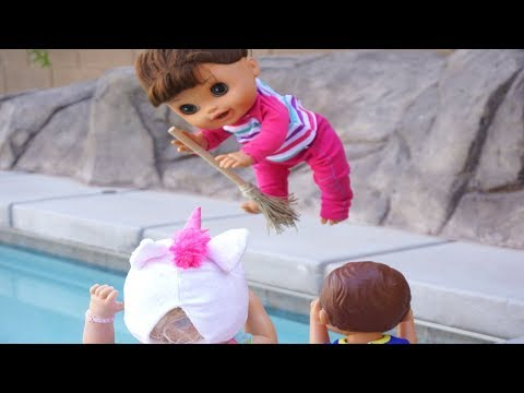 BABY ALIVE Find Magic Witch Brooms And FLY! Babby Alive Videos!