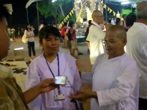 Vesak Day procession p2 Thai Temple Singapore Rathbone 2010-05-28.AVI