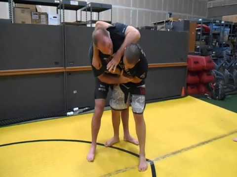 Basic Self defense counter to headlock