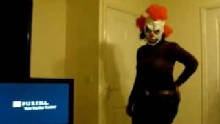 Beyonce Clown: Hits Her Head
