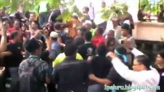 Video Pekida/Perkasa lari dihalau balik di Kompleks Mahkamah Jln Duta (901) - 1 MP3, 3GP, MP4, WEBM, AVI, FLV Desember 2017