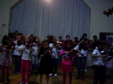 Escola de Música de São Brás do Suaçuí - oficina suzuki 009 encerramento