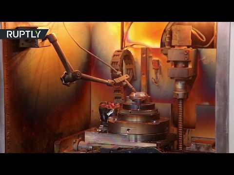 العرب اليوم - شاهد: علماء من تومسك يعرضون طبابة ثلاثية الأبعاد يمكن استخدامها في الفضاء