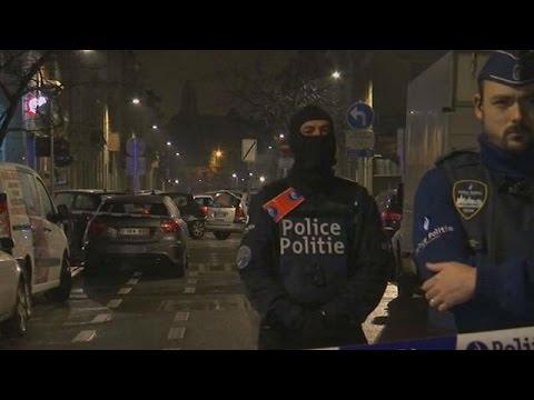 Βέλγιο: Έξι συλλήψεις υπόπτων – Ανθρωποκυνηγητό για τον «άνδρα με το καπέλο»