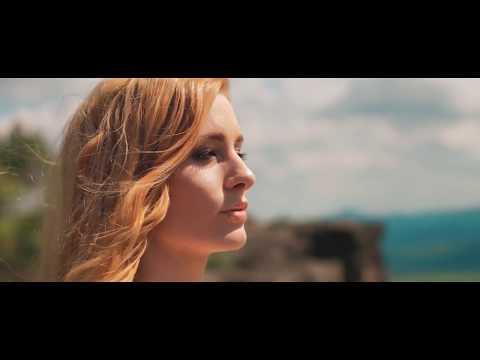 Rockerka Sabina Křováková má nový videoklip. Ondřej Soukup na ní může být hrdý