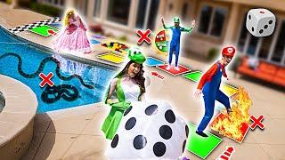 Video WORLD'S BIGGEST IN REAL LIFE BOARD GAME!! (WINNER GETS $10,000) MP3, 3GP, MP4, WEBM, AVI, FLV Juni 2019