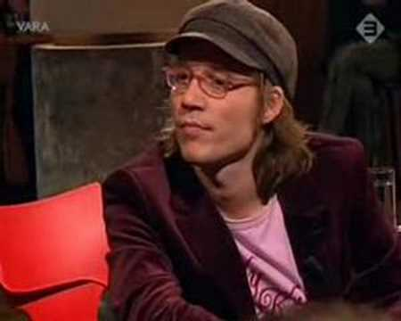 henkhofstede - Henk Hofstede plays a part of Leonard Cohen's song: Famous Blue Raincoat in the Dutch TV-program on March 1st, 2006.