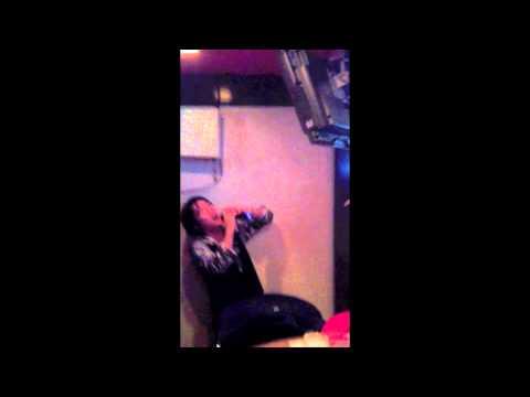 DRUNK GUY ATTEMPTS TO SING SK8ER BOI AT KARAOKE BAR IN JAPAN