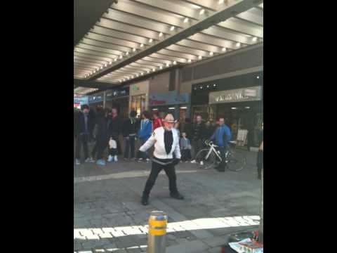 machester man singing Rocky, Eye of the Tiger