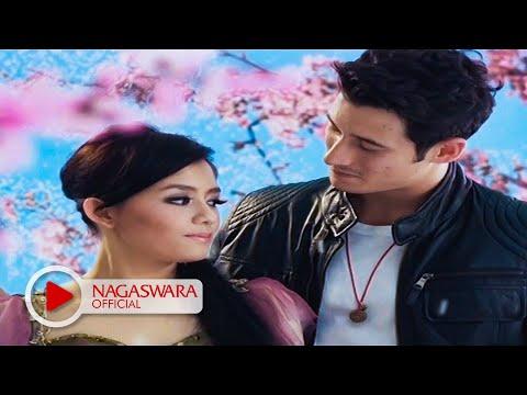 T2 - Cinta Aku Gila (Official Music Video NAGASWARA) #music