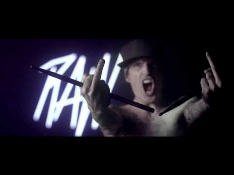 Bloody Beetroots feat. Tommy Lee – RAW