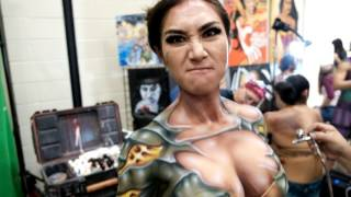 Video Body Painting at Alamo City Comic Con MP3, 3GP, MP4, WEBM, AVI, FLV Juni 2019