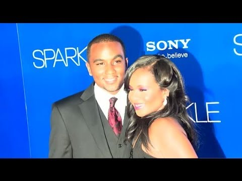 Bobbi Kristina Brown Marries Nick Gordon