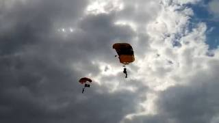 Owensboro (KY) United States  City pictures : Army Golden Knights Over Owensboro, KY