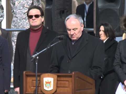 Николае Тимофти принял участие в церемонии откомандирования контингента Национальной армии в международную миротворческую миссию в Косово