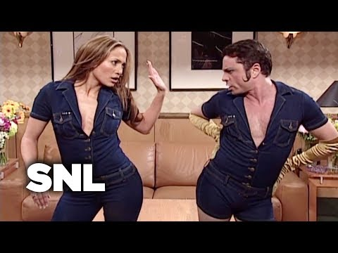 Mango and J.Lo Get into a Diva Battle - SNL