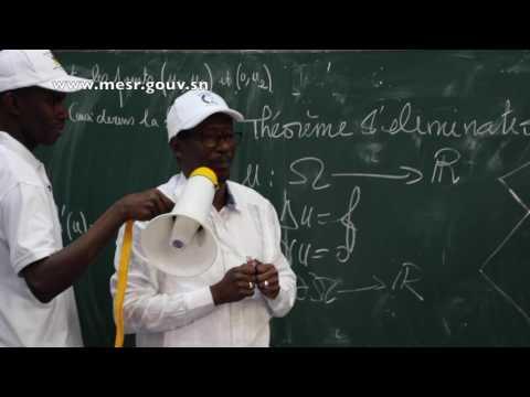 Ucad - Cours de Maths du Pr Mary Teuw NIANE à l'Amphi 7