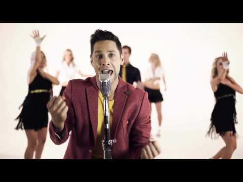 Elvis se Seun – 'Wil Jy in My Arms Lê Vanaand'