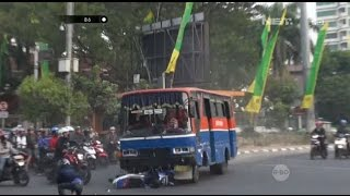 Video Melaju Kencang & Terobos Lampu Merah, Supir Bus Tabrak Pengendara Motor - 86 MP3, 3GP, MP4, WEBM, AVI, FLV April 2019