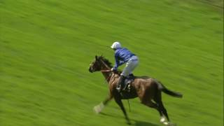 Barney Roy upsets the odds and wins his rematch with Churchill in the St James's Palace Stakes. http://www.racinguk.com/join ...