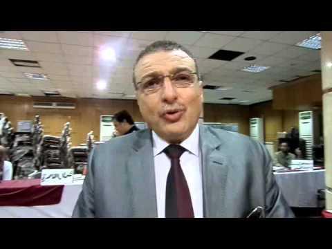 حسين محمود يقدم اوراق ترشحه علي مقعد المستوى العام