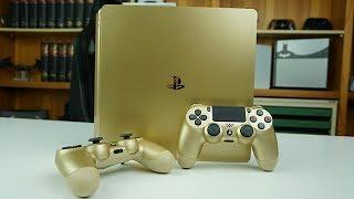 """Heute habe ich für euch die Playstation 4 Slim in der goldenen Farbe.---Du möchtest die genannten Artikel aus dem Video kaufen?:Hier gibt es die silberne: http://amzn.to/2tt5pqJHier gibt es die goldene: http://amzn.to/2s5mu5IHier geht es zur weißen: http://amzn.to/2tpr4PyPS4 Slim: http://amzn.to/2tpmf8SPS4 Pro: http://amzn.to/2s56uR6Controller in Silber, der neue (2016): http://amzn.to/2s5fWUD Controller in Gold, der neue (2016): http://amzn.to/2spZgXb---Nichts verpassen wollen? Auf YouTube abonnieren: http://bit.ly/BehandlungszimmerFacebook: http://www.facebook.de/drunboxkingTwitter: http://www.twitter.de/DrUnboxKingInstagram: http://instagram.com/drunboxking/Twitch: http://www.twitch.tv/drunboxking/Privatpatient werden?http://www.drunboxking.de---Ehrlichkeit und Transparenz sind mir wichtig! Deswegen produziere ich meine Videos nach dem """"Der Eid des Doc"""" Prinzips! Alles Weitere auf http://DrUnboxKing.de/eidManche Links in der Videobeschreibung können Affiliate-Links sein. Wer mich unterstützen möchte, kann über die Links etwas kaufen! Das Coole ist, es kostet Euch keinen Cent mehr! Vielen Dank für Eure Unterstützung!Dieses Video beinhaltet keine bezahlte Produktplatzierung.---"""