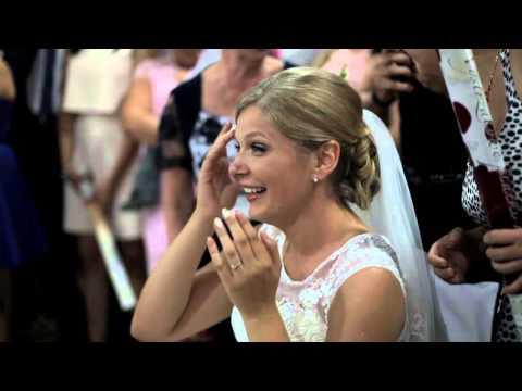 pierwszy-weselny-taniec-z-niespodzianka