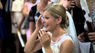 Przerywa pierwszy taniec z panną młodą i każe jej się nie zbliżać! Nie mogła uwierzyć czemu to zrobił!