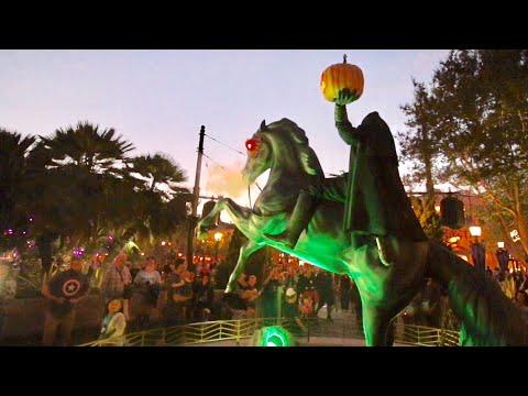 TDW 1903 - Halloween Officially Begins At Disneyland !