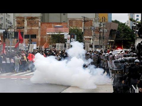 Βραζιλία: Διαδηλώσεις κατά της αύξησης των εισιτηρίων στα μέσα μαζικής μεταφοράς