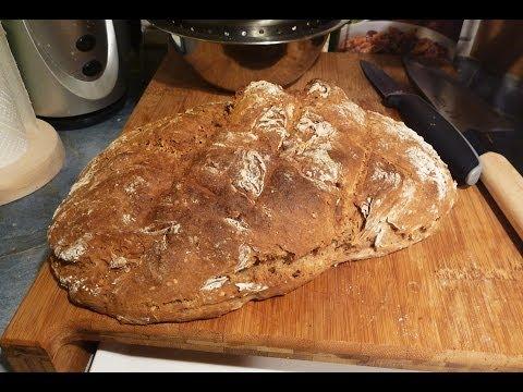 Gesundes Brot ganz einfach selber backen mit Dinkelmehl