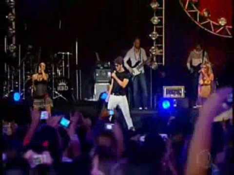 Tekst piosenki RBD - Hace un instante po polsku