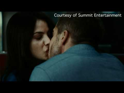 chuck the movieguy - http://www.youtube.com/watch?v=wa3nR_FMBEI Chuck the Movieguy reviews Source Code starring Jake Gyllenhaal, Michelle Monaghan and Vera Farmiga. Filmed in Hig...