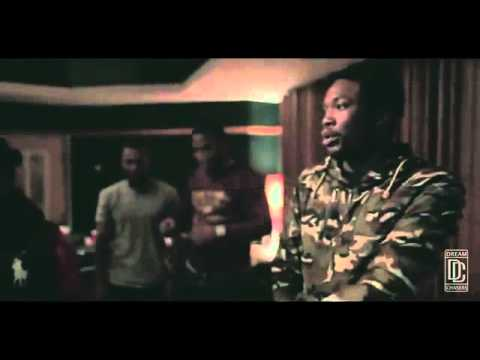 """Meek Mill & Dreamchasers """"Louie V"""" Freestyle In The Studio!"""