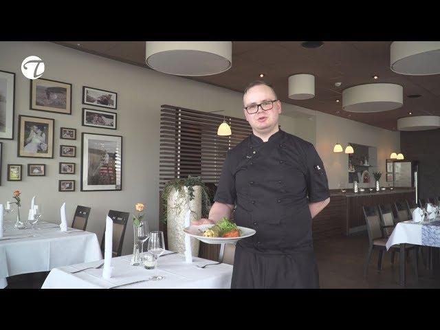 Kräutereierkuchen gefüllt mit Spargel an Lachs Rose und Sauce Mornay   Vegetarisches Rezept