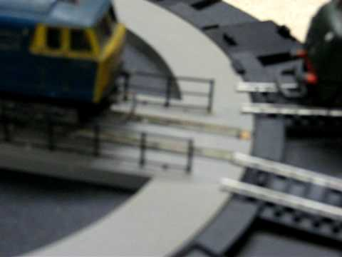 Hornby Motorised Turntable demo