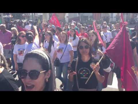 Trabalhadores protestam contra a reforma da previdência em Novo Hamburgo