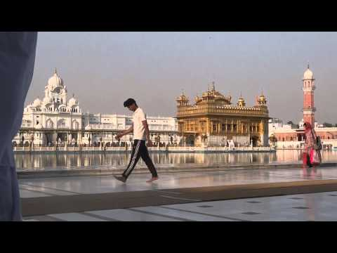 Pilgrimage to the sikh Golden Temple, India. By TVS (8,2)