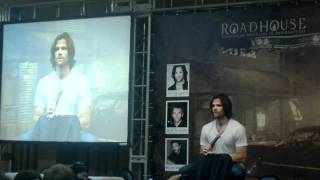 RioCon 2012 Painel do Ator Jared Padalecki, nesse video as meninas cantando Oh If I Catch You e ele falando umas palavras...