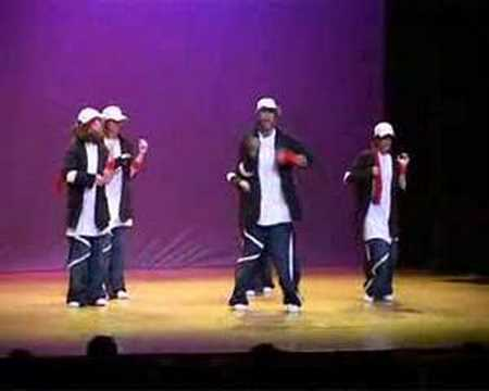 Группа MOMASTUDIOS исполняет Hip Hop Dance - Moma Tribe
