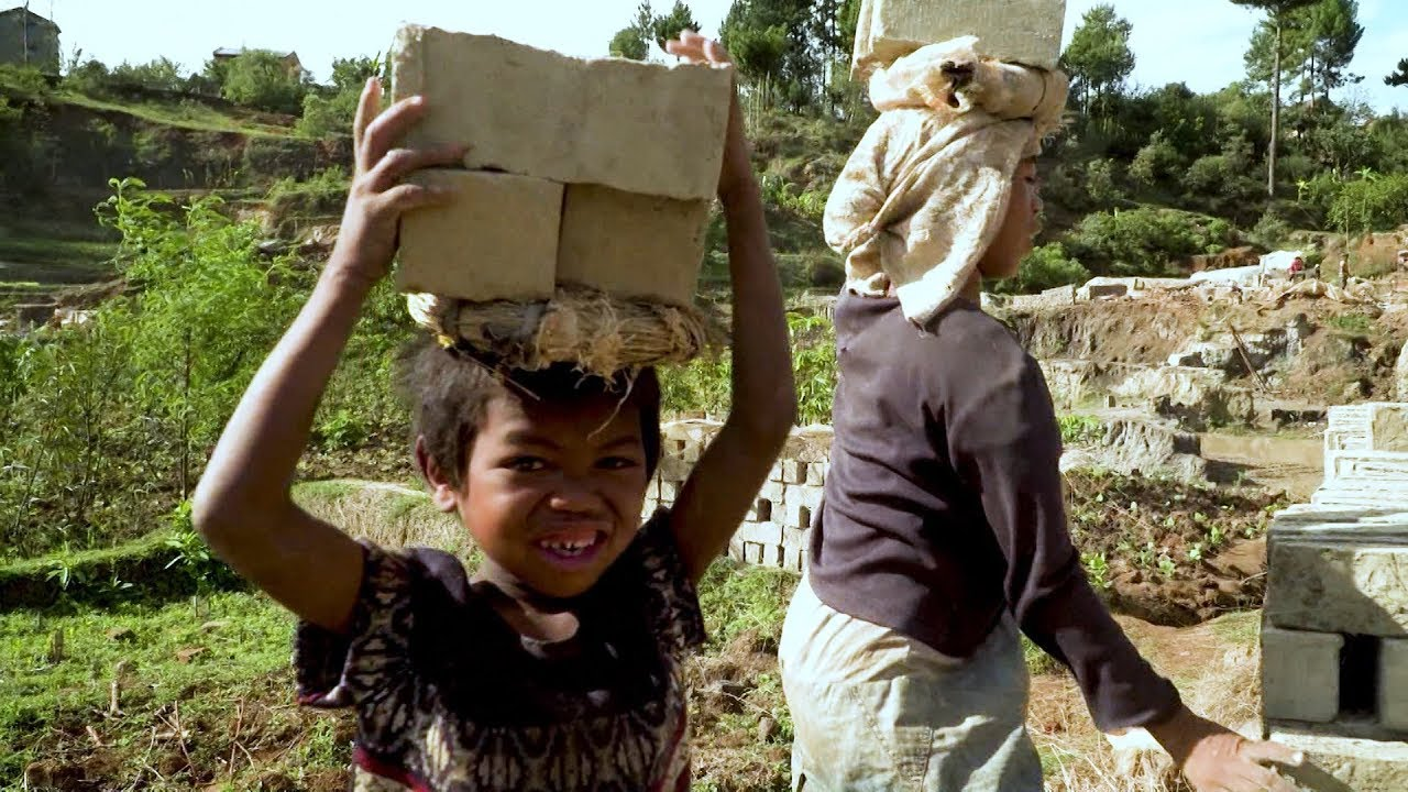 Мадагаскар: борьба с детским трудом