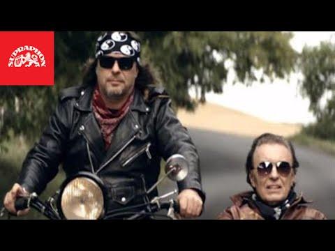 Rocker Kolář provezl Karla Gotta v sajdkáře: Jak dopadl jejich společný videoklip?